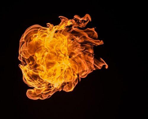 flame-726268 640