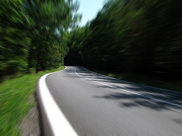 road-259815 640